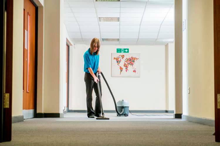 contratas de limpieza en Madrid